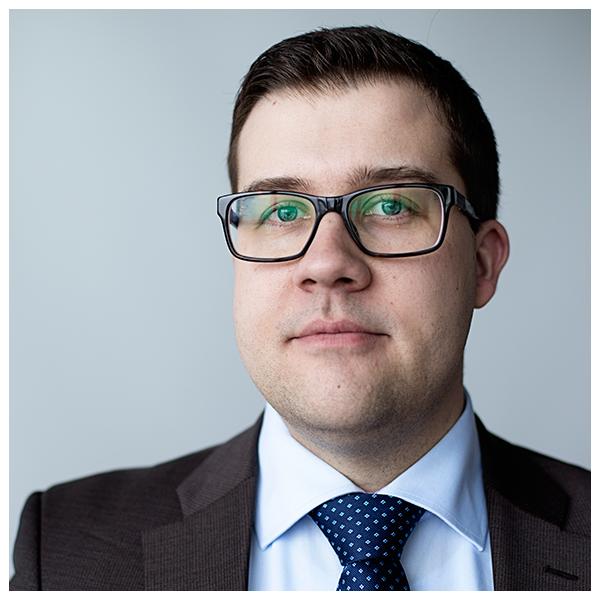 Juuso Rönnholm – politiikan koodinpurkaja