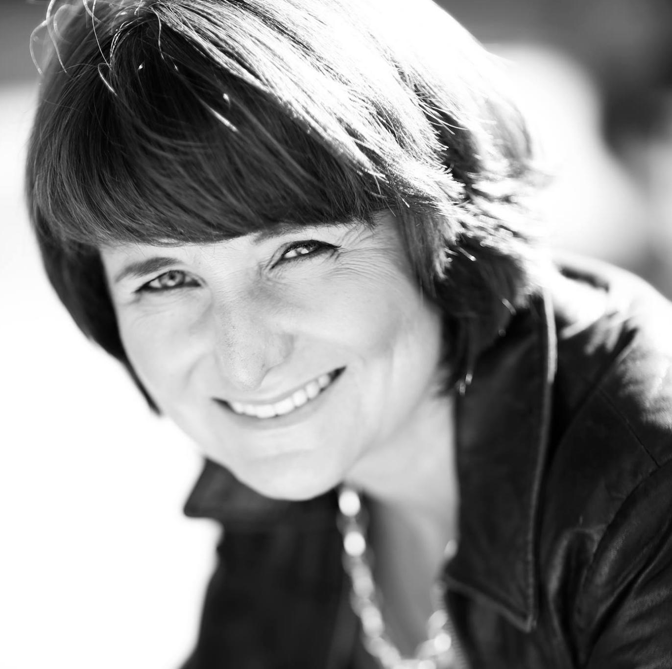 Sari Brander Cocommsin asiakaskokemus- ja liiketoimintajohtajaksi